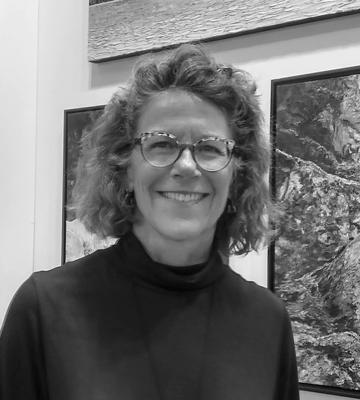 Artist Wendy Robertson, Sivarulrasa Gallery